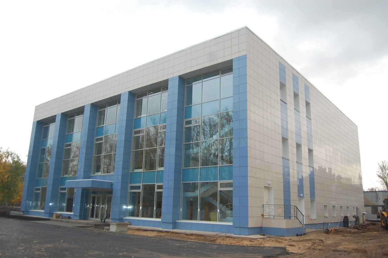 Фасады административных зданий фото